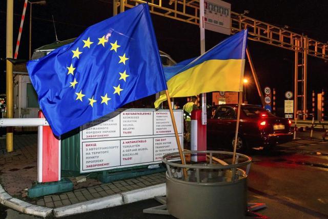 Помощь в получении, обмене венгерских паспортов и других документов. - 3