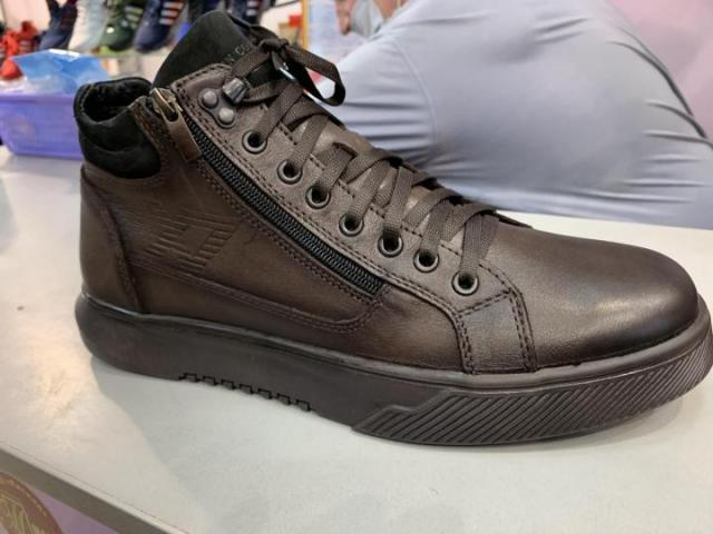 Продам мужские зимние ботинки - 1